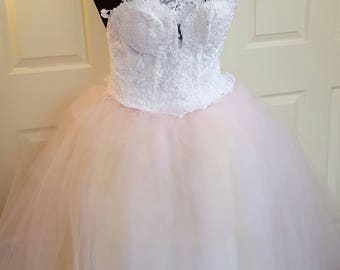 Vintage Style White Blush Corded Embroidered Lace Tulle Sweetheart Halter Corset Bridal Wedding Ballgown Party Prom Quinceanera Costume