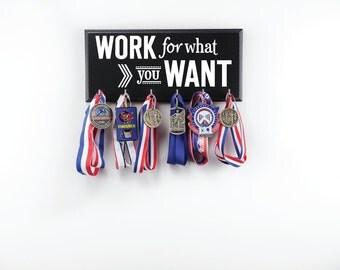 Running medal holder and race bib hanger medal hanger and for Ideas para colgar medallas