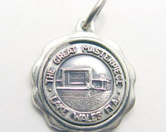The Great Masterpieces Souvenir Charm - Vintage Florida Travel Charm with Well Detailed Tourst Attraction by Bates and Klinke