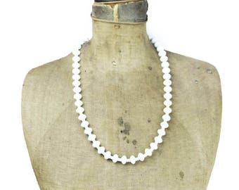 Vintage Long White Bead Necklace, Long Milk Glass Necklace, Long White Glass Bead Necklace, Long White Necklace