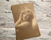 French Vintage Postcard . Vintage French Romantic Woman Postcard . Vintage Postcard . Old Postcard .