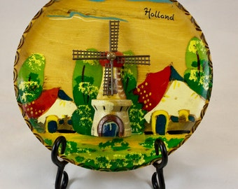 Vintage Holland Hand Painted Souvenir Wooden Wall Plaque