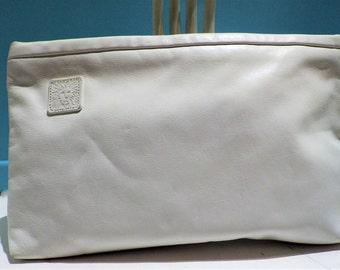 1970s Anne Klein for Calderon White Leather Clutch Bag Purse Handbag