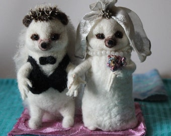Hedgehog Wedding Cake Topper, Needle felted wedding cake topper, Animal wedding gift, wedding fugurine, Ready to ship