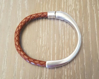 Round braided leather bracelet, brown, 5mm, with magnetic clasp, half cuff, antique silver, internal diameter 2,36 in, for Men's or Women's.