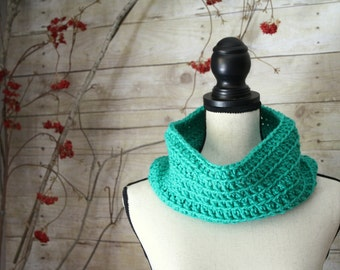SUMMER SALE - Simple Green Cowl