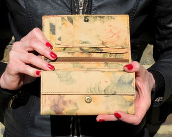 Madamzel Multi-Compartment Wallet in Floral Leather