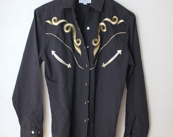 vintage 1970's black & gold embroidered  arrow western pearl snap button up shirt *