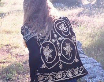 VINTAGE 70s 1970s BOHEMIAN VEST // Velvet Vest // Gold and Velvet Wasitcoat // Bohemian Boho Kate Moss Vest // Black Velvet Vest