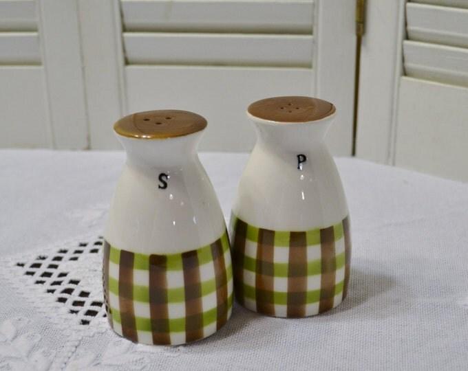 Vintage Salt and Pepper Shaker Set Brown Green Plaid Retro Kitchen Spice Jar Japan PanchosPorch