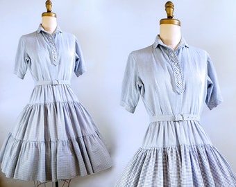 Look who's coming to lunch | 1950s cotton gingham dress | 50s blue and white gingham dress | medium