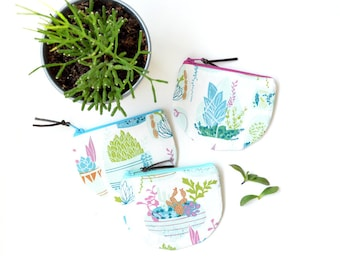 Womens Zipper Pouch, Cactus Purse, Plant Gift for Gardener, Succulent Pouch, Small Zip Wallet, Round Coin Purse, Credit Card Wallet Pouch