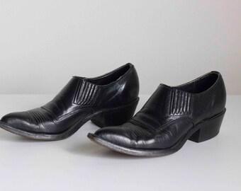 Black Leather Cowboy Cuban Heel Needle Toe Booties 1980s Vintage // Size 7 1/2