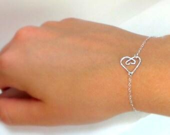 Heart bracelet, heart pregnancy  mother bracelet, mommy bracelet, silver bracelet, wire heart bracelet, handmade heart, gift 064