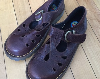 Vintage 1990s Girls Brown Leather Doc Martens T Strap Mary Janes Shoes! Size UK 13 US 1.5