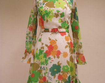 Vintage 1960s, 1970s Floral Bo-Ho, Flower Power dress from 'California' brand, ruffles, sleeves.