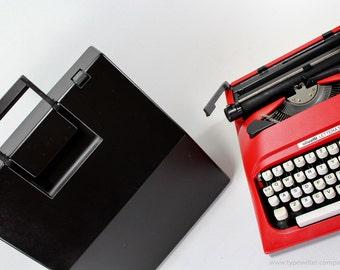 QWERTY - Typewriter Olivetti Lettera 10/12 vintage typewriter - portable typewriter - working typewriter - red typewriter - gift