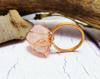 Raw Rose Quartz Ring ~ Rough Promise Ring ~ Chunky Stone Ring ~ 7th Anniversary Gift, Gift For Girlfriend, Spring 2017 Boho Quartz Ring