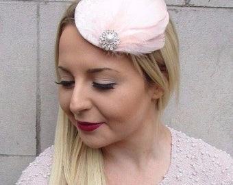 Light Blush Pink Silver Feather Pillbox Hat Fascinator Hair Clip Vintage 2690