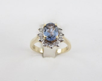 14 k Yellow Gold Diamond And Tanzanite Ring Size 5 1/4 1.70 carats