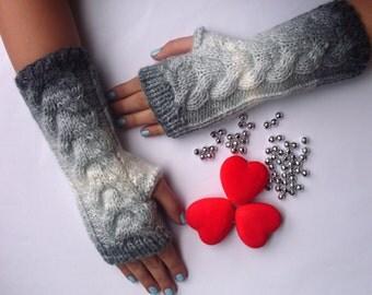 EXPRESS CARGO Batik Color Fingerless Gloves, gift for mom, gift for christmas, gift for women, gift for her, womens gift / Formalhouse