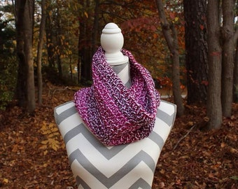 Crochet cowl scarf / red cowl / crochet circle scarf / infinity scarf / ready to ship