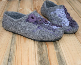 Women's slippers Cozy house shoes Woolen clogs Organic wool slippers