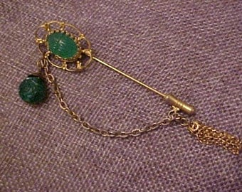 Fine Vintage Stick Pin, Green Cabochon trim, Safety Clasp on end. Older but in Good Order. FREE shipping in the United States.