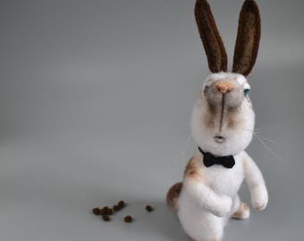 Felted bunny Needle felted animal Wool felt Filtz miniature Bunny gentleman Woolen sculpture Needle felting Bunny toy Funny gift Eco