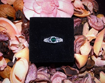 Sterling silver wire ring with swarovski beads.Adjustable ring,elegant ring,green ring