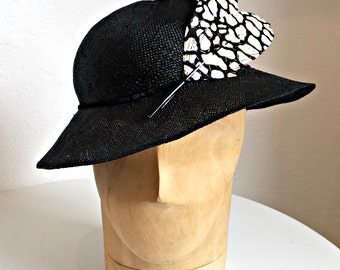 Vintage 1930s Straw Hat with Antique French Feathers - Women's Straw Hat