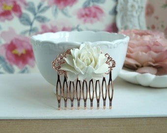 Ivory Cream Rose Flower Rose Gold Comb, Antiqued Brass Off White Comb, Bridal Hair Comb. Bridesmaid Gift, Rustic Theme, Wedding Rose Comb