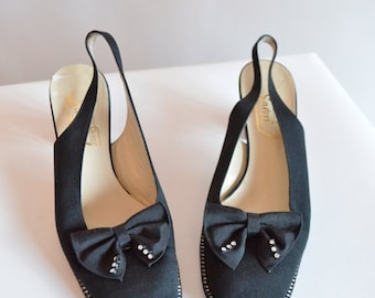 Vintage 1960s CRYSTAL embellished shoes / size 7.5