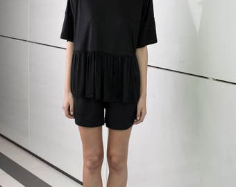 Black top, elegant party shirt, formal loose fit, summer top, minimal top, short sleeves, plus size, oversize t shirt, crew neck frill top