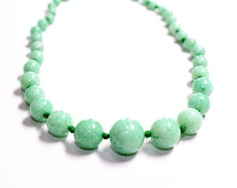 Pale Green speckled Pattern Knotted Glass Beads Single Strand Necklace (c1960s) - Wedding
