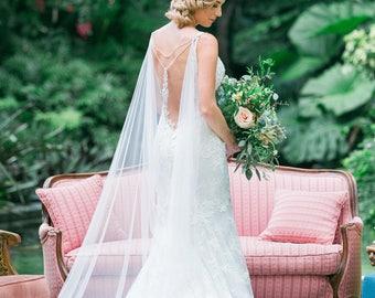 Bridal Cape, Bridal Back Jewelry, Bridal Crystal Cape, Bridal Back Necklace, Wedding Cape, Back Drop Necklace, Back Jewelry, Cape Veil