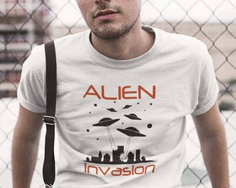ALIEN INVASION Men's Aliens UFO T-Shirt