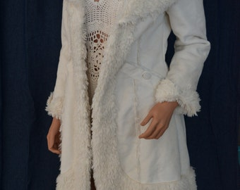 Bebe long shaggy cream coat jacket
