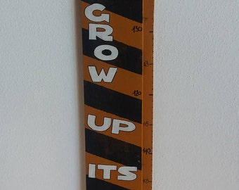 Recycled wood-themed TODDLER HEIGHT METER yard-