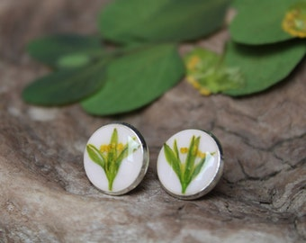 Spring flowers stud earrings.Resin floral jewelry.Green white earrings.Bridesmaid present.Real flower earrings.Floral gift.Botanical jewelry