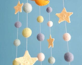 Moon Mobile Stars Nursery Decor Space Baby Mobiles Hanging Felt Balls Crib Mobile Neutral Newborn Gift Natural Cot Decor Mint Grey Kids Room
