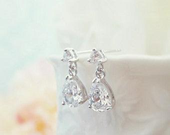 Dainty Wedding Earrings, Delicate Earrings, Tiny Teardrop Earring, Simple Earring, Bridesmaid Gift, Simple Bridal, Minimalist Earring, E2167