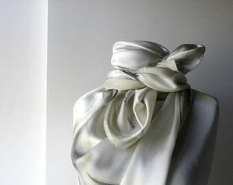 Luxury Vintage Dolce & Gabbana Italien Foulard Silk scarf 90s