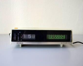 Vintage radio alarm clock UNIVERSUM FM Po GO / roll clock 70s / flip flap