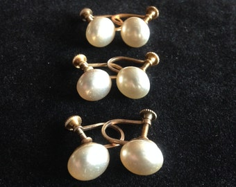 Vintage Dainty Screw Back Faux Pearl Earrings // 1950s.