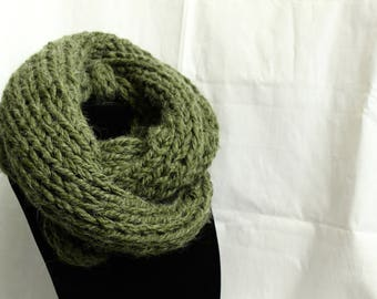 Oversized Green Infinity Scarf, super cozy!