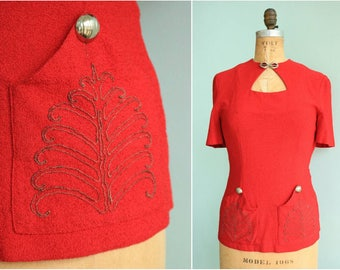 Vintage 1940s Red Cache Knit  Keyhole Blouse | Size Small