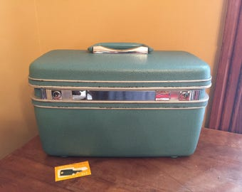 Vintage Teal Samsonite Train Case with Key and Makeup Tray/Vintage Train Case