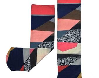 Geometric Overlap Print Socks