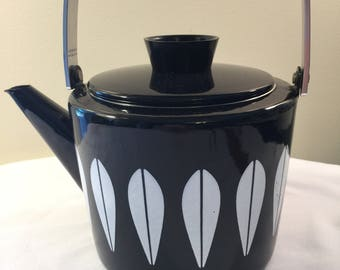 Cathrineholm norway black Lotus teapot - vintage cathrineholm enamelware - black lotus teapot - Norway Cathrineholm mid century - mid centur
